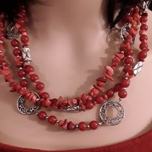 Jewelry - 💖Cranberry Red Beaded Necklace